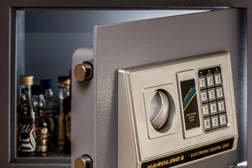 A Look at the 4 Basic Types of Safes