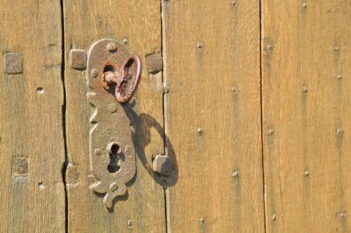 What to Do When Your Key Is Stuck in the Lock of Your Home